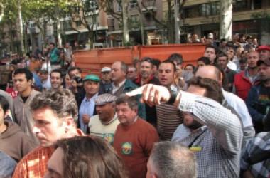 Agressió policial a Reus contra una manifestació que reclamava preus justos pels productes agraris