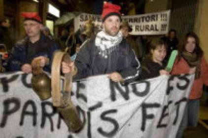 Les esquelles fan aflorar l'assetjament rural
