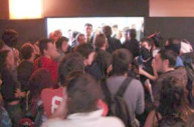 La Universitat de València aprova els nous graus entre fortes protestes estudiantils