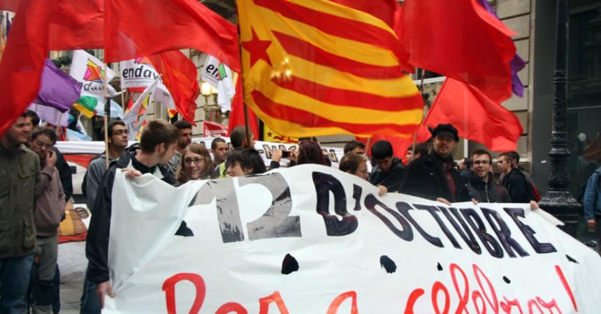 Centenars de persones es manifesten contra el feixisme i la hispanitat
