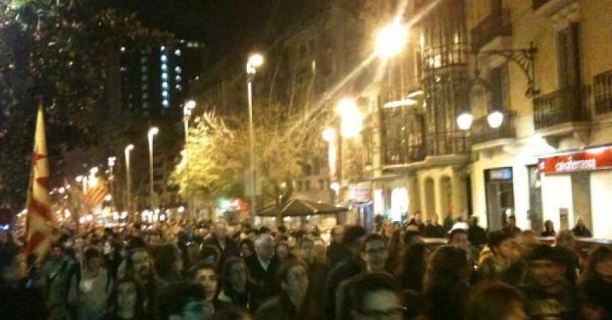 Més de mil de persones es manifesten a Barcelona en suport a la lluita pel català a les Illes