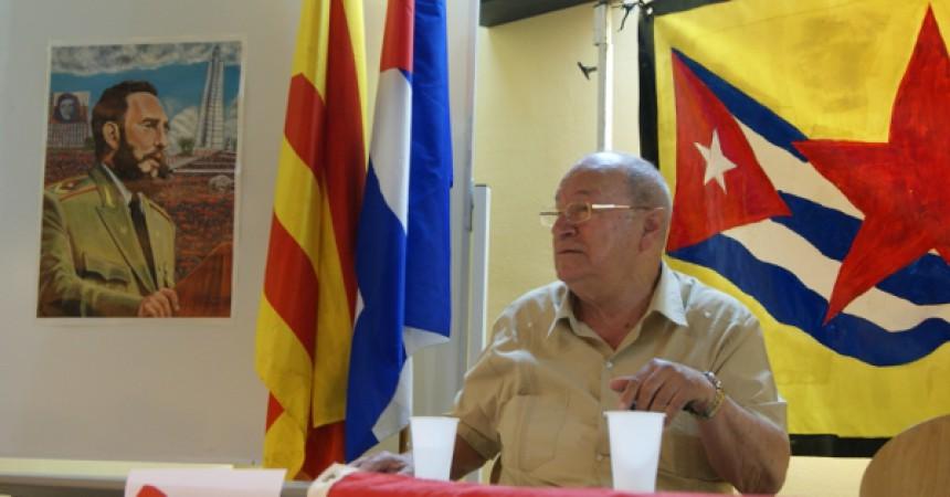Una sala d'actes de la UAB es plena de gom a gom per donar suport a Cuba