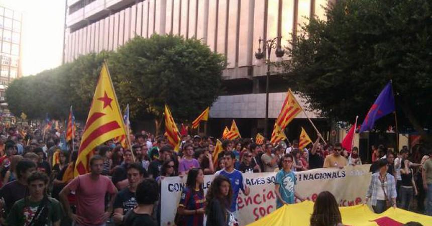 El 9 d'octubre independentista aplega milers de persones a València i viu actes arreu del País Valencià