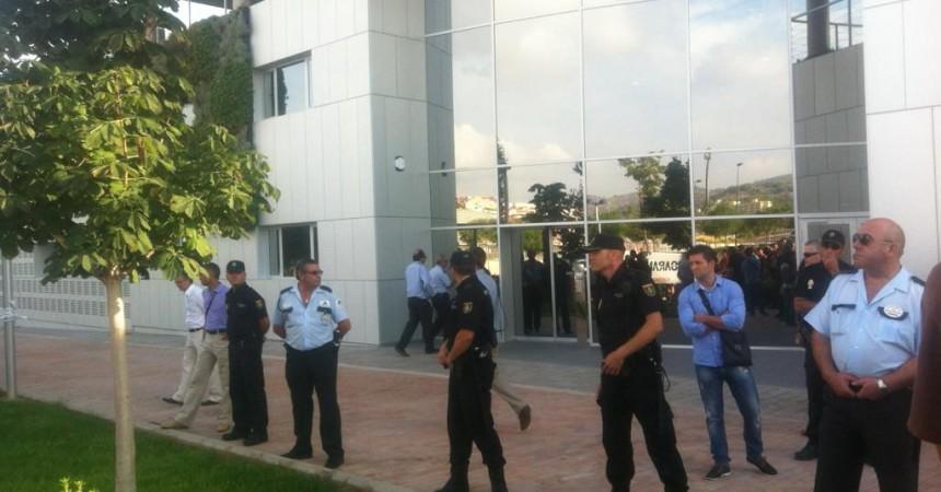 Un detingut i greus incidents durant la visita de Fabra a la UJI