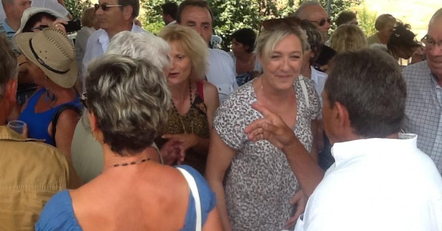 Le Pen celebra el 14 de juliol a la Catalunya Nord