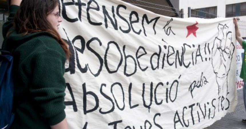 Absolts quatre activistes per l'ocupació d'una ETT a Sabadell