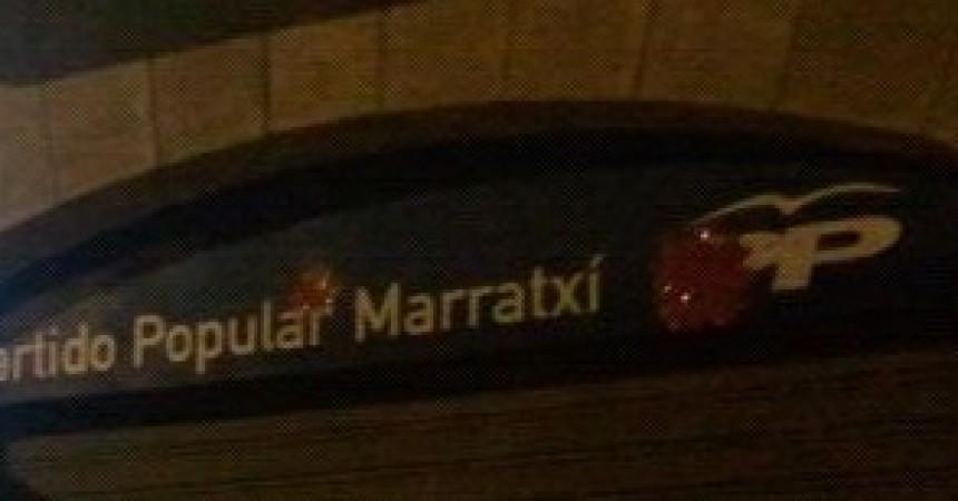 Llancen pintura a la seu del PP a Marratxí