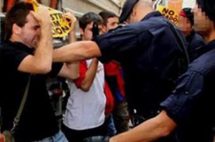 """L'AJL denuncia que el Mosso que va agredir el jove lleidatà es protegeix amb """"mentides"""""""