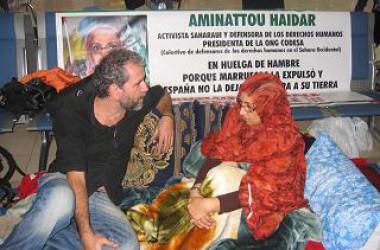 """Aminetu Haidar: """"Espanya és  responsable que m'hagin deportat"""""""
