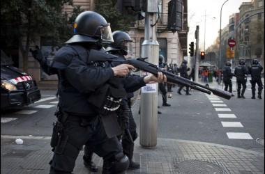 Desmantellant les llibertats civils