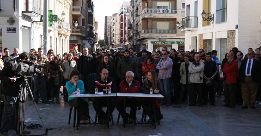 Benimaclet respon al feixisme en una roda de premsa amb més de 100 persones i desenes d'associacions del barri.