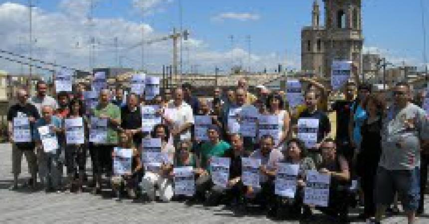 L'Estat espanyol denuncia dos independentistes per manifestar-se a favor dels drets polítics