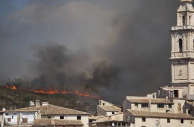 Una línia d'alta tensió travessarà les serres cremades fa sis mesos a la Vall d'Albaida