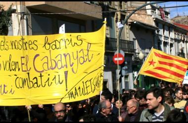 El Cabanyal s'omple de manifestants contra l'arrogància del PP