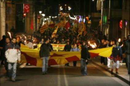 1.200 manifestants reivindiquen la lluita contra el feixisme i els seus hereus a 70 anys de l'entrada de Franco a Barcelona