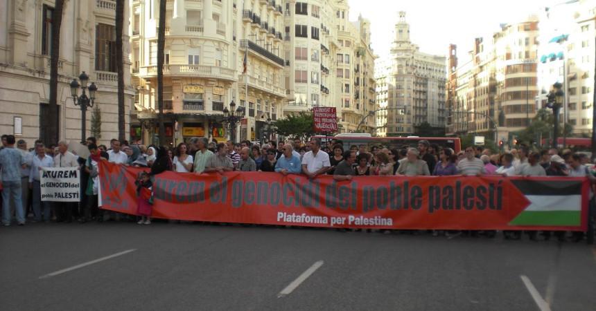Centenars de persones a València denuncien Israel i reclamen la llibertat dels detinguts