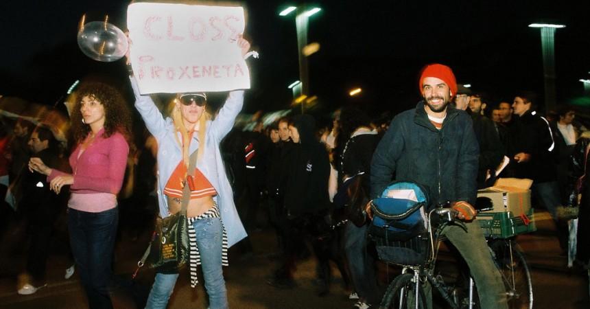 Entitats veïnals, feministes i pels drets dels immigrats reclamen la legalització de la prostitució