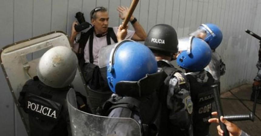 El govern colpista hondureny tanca mitjans de comunicació