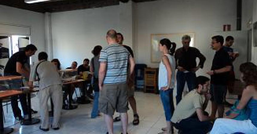 L'esquerra independentista sabadellenca, satisfeta amb l'evolució de la jornada de consulta