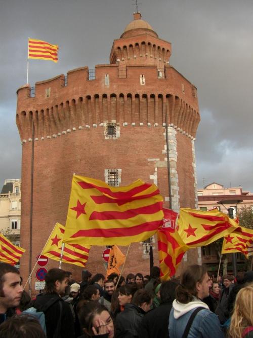Manifestants aquest dissabte 7 de novembre a Perpinyà // FOTO: Pere Vidal