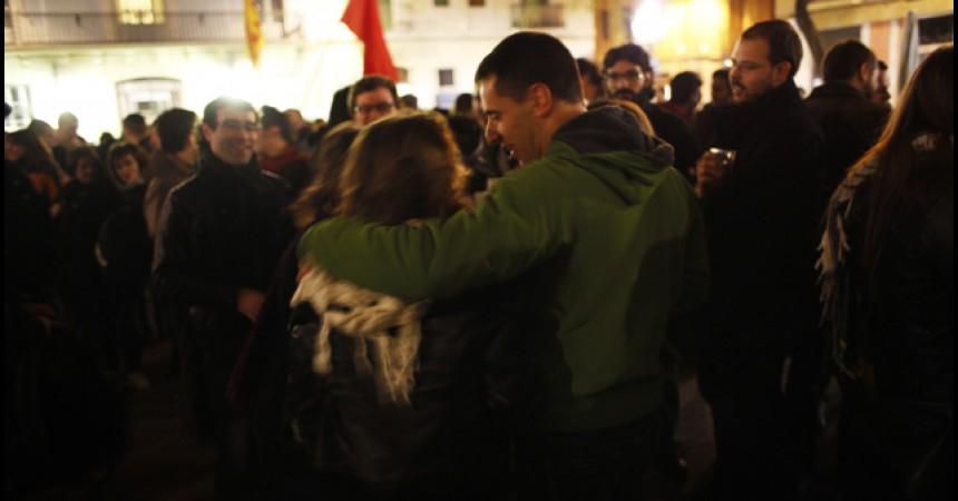 Centenars de persones donen la benvinguda a Diego Sánchez