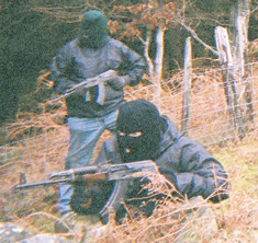 Membres de l'IRA Autèntic en un entrenament