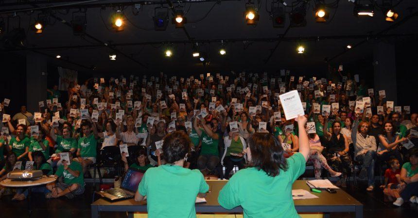 Cap a una vaga indefinida contra l'espanyolització i les retallades a l'ensenyament