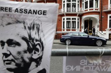 Equador dóna asil polític a Assange davant la persecució del Regne Unit i els EUA