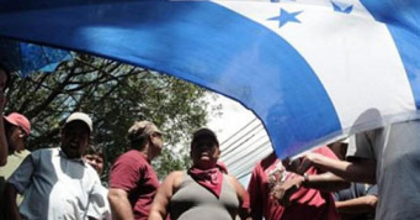 El front de resistència d'Hondures alerta que les eleccions d'avui volen legitimar el cop d'Estat