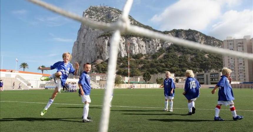 Primer pas per l'acceptació de Gibraltar en la UEFA