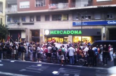 Acció a Mercadona en solidaritat amb els sindicalistes andalusos (Vídeo)