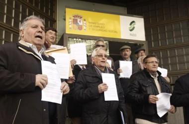 Milers de pensionistes reclamen a l'INSS per la revalorització de les pensions del 2012