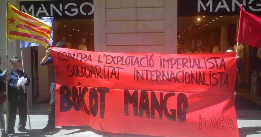 Primera acció reivindicativa d'ÍTACA en solidaritat amb els treballadors de Bangla Desh