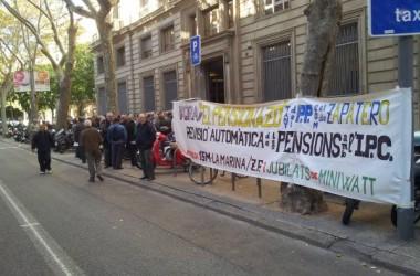 Una Marea Pensionista inunda jutjats i oficines de l'INSS