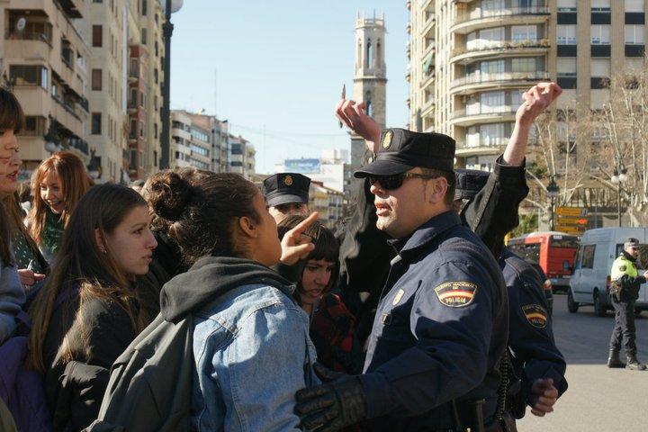 lluisvives_policia3