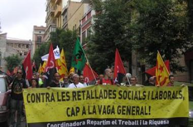 Desenes de milers de persones omplen els carrers de Barcelona, Tarragona, València i Alacant en la jornada de vaga i lluita