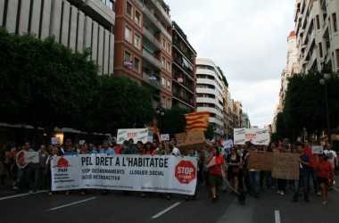 Manifestació a València contra els desnonaments