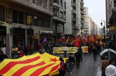 5.000 manifestants acudeixen a la convocatòria de l'Esquerra Independentista a València