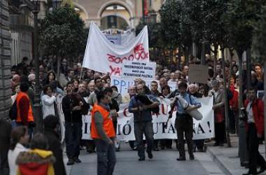 Gran manifestació contra la corrupció i dubtosa estratègia contra la dreta