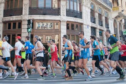 La Marató de València entre el gran esdeveniment i la marginació de la llengua