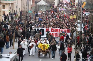 Milers de persones a Móra d'Ebre  contra el Cementiri Nuclear