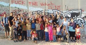 La Brigada Musical Catalana al costat del mur, a Palestina