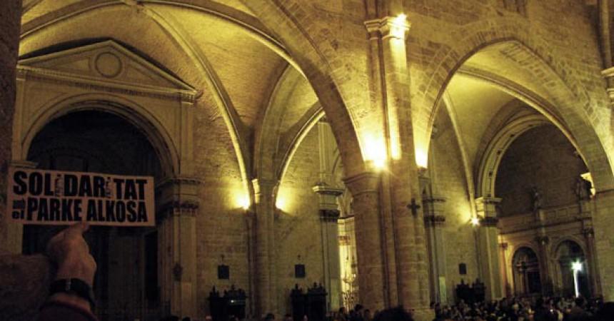 Vaga de fam i concentració al Palau de la Generalitat valenciana per reclamar els 400.000€ del Park Alkosa