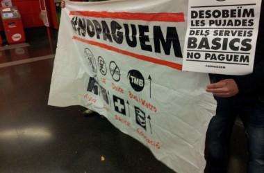 Milers de persones usen el Metro de Barcelona sense pagar en la jornada convocada per NoPaguem