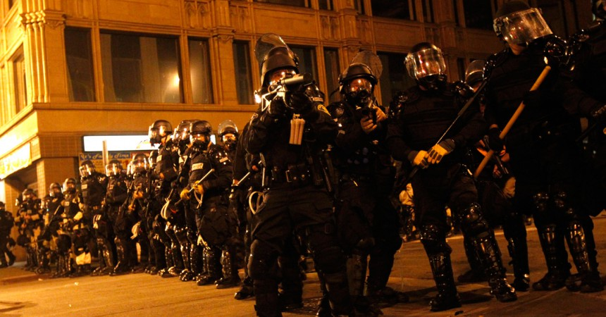 La policia desallotja l'acampada Occupy Oakland