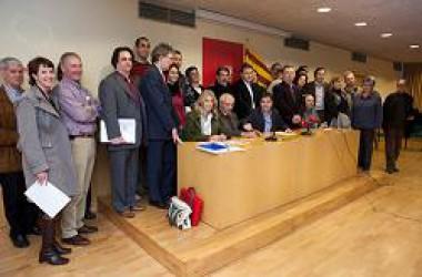 """L'alcaldessa de Bergara es mostra """"molt sorpresa de veure la quanitat de gent mobilitzada per la consulta"""""""