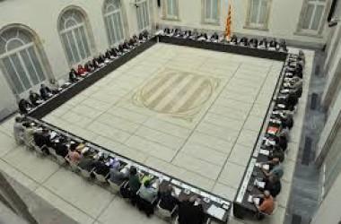 Un any de procés: la vessant institucional