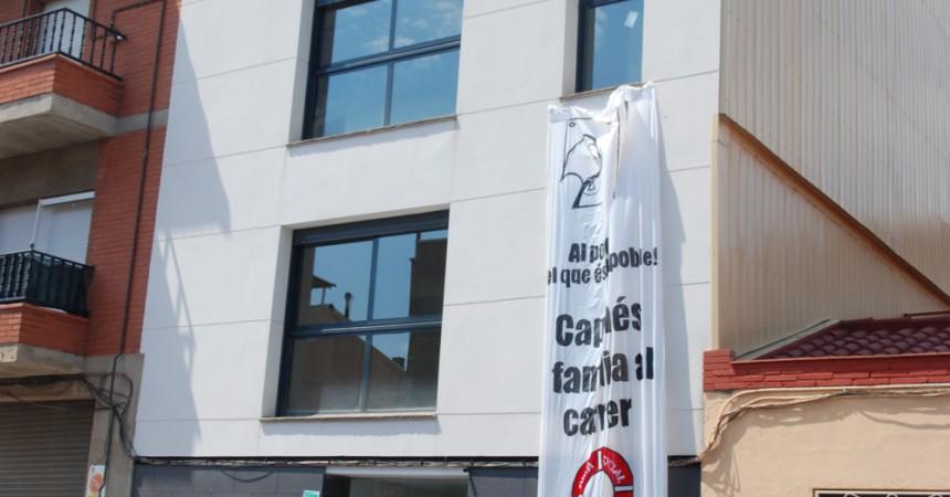 La PAHC de Sabadell ocupa habitatges buits de Catalunya Caixa