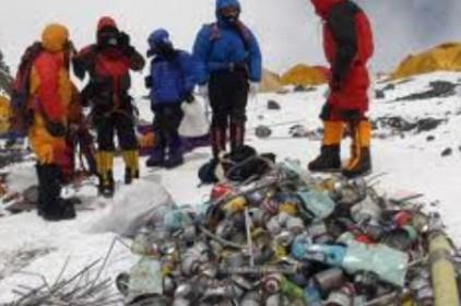 El problema de la gestió dels residus arriba al sostre del món