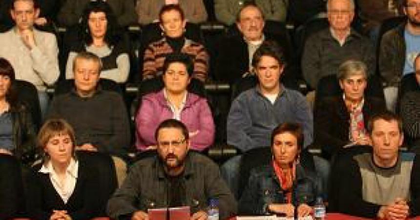 """L'esquerra abertzale dissenya una estratègia pròpia eficaç: """"Zutik Euskal Herria"""""""